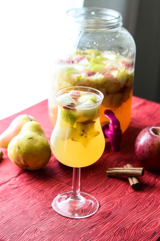 A warm, autumn blend of apple, pear, ginger, and cinnamon spice, steeped with your favorite white wine!