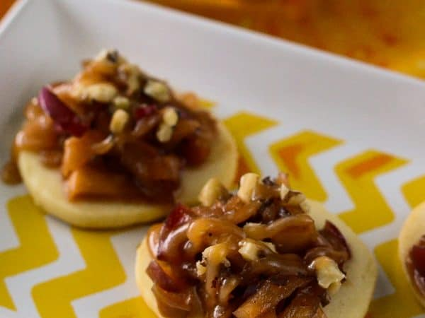 """Caramel Apple Shortbread Bruschetta 