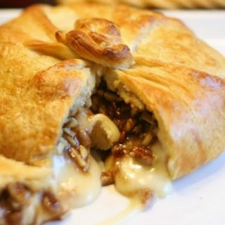 Honey Nut Brie en Croute