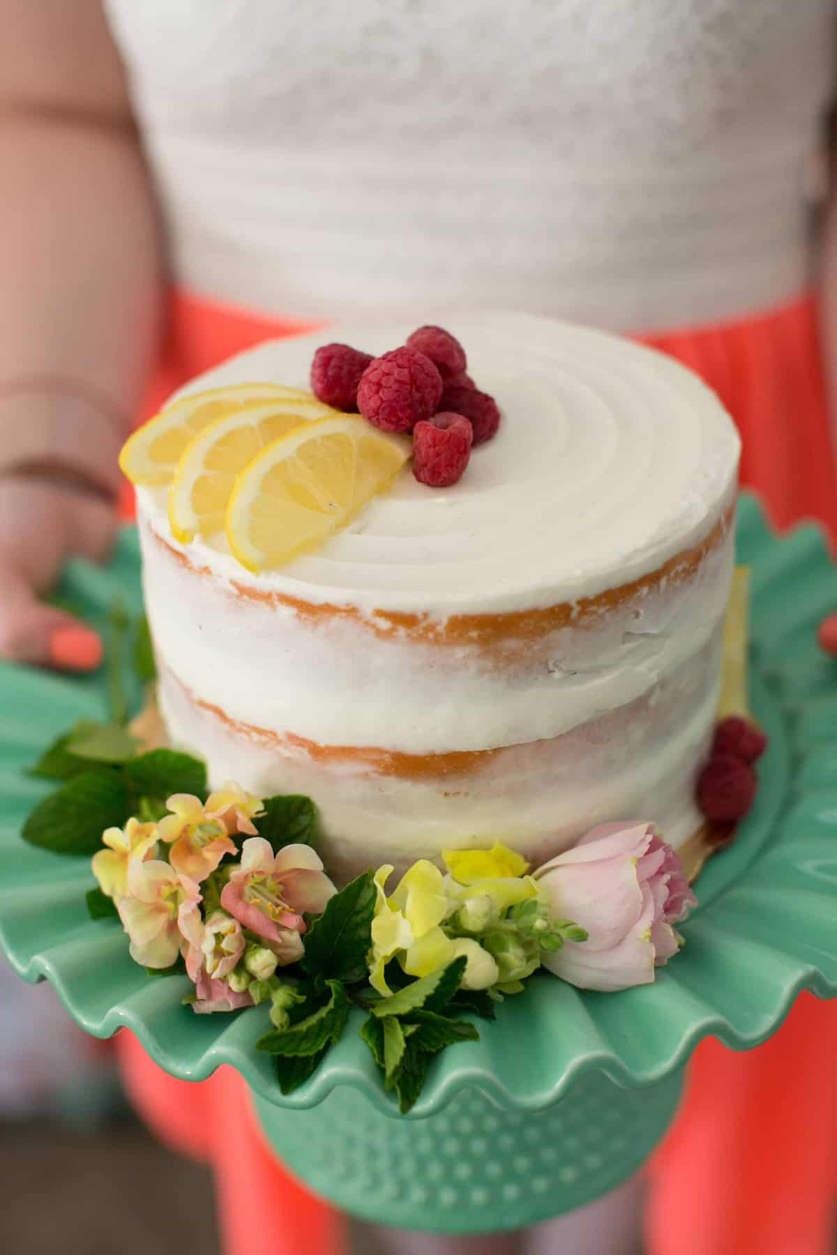 Raspberry Lemonade Cake for a #SummerFloralParty