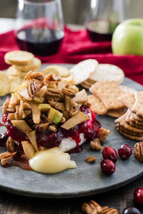 This simple Cranberry Apple Pecan Baked Brie combines tart, sweet, and ...