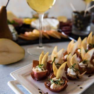 Looking for the fanciest, easiest appetizer ever? Crispy Prosciutto Cups with Pear & Mascarpone are the answer - simple flavors, simple prep, max deliciousness!