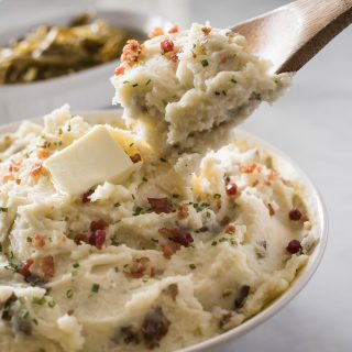Homestyle Garlic Herb Mashed Potatoes