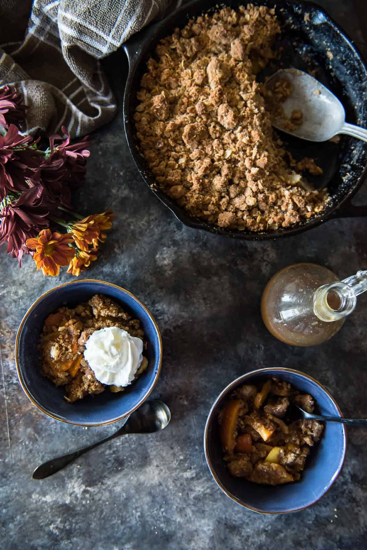 Pear Persimmon Skillet Crumble #FabulousFallBounty
