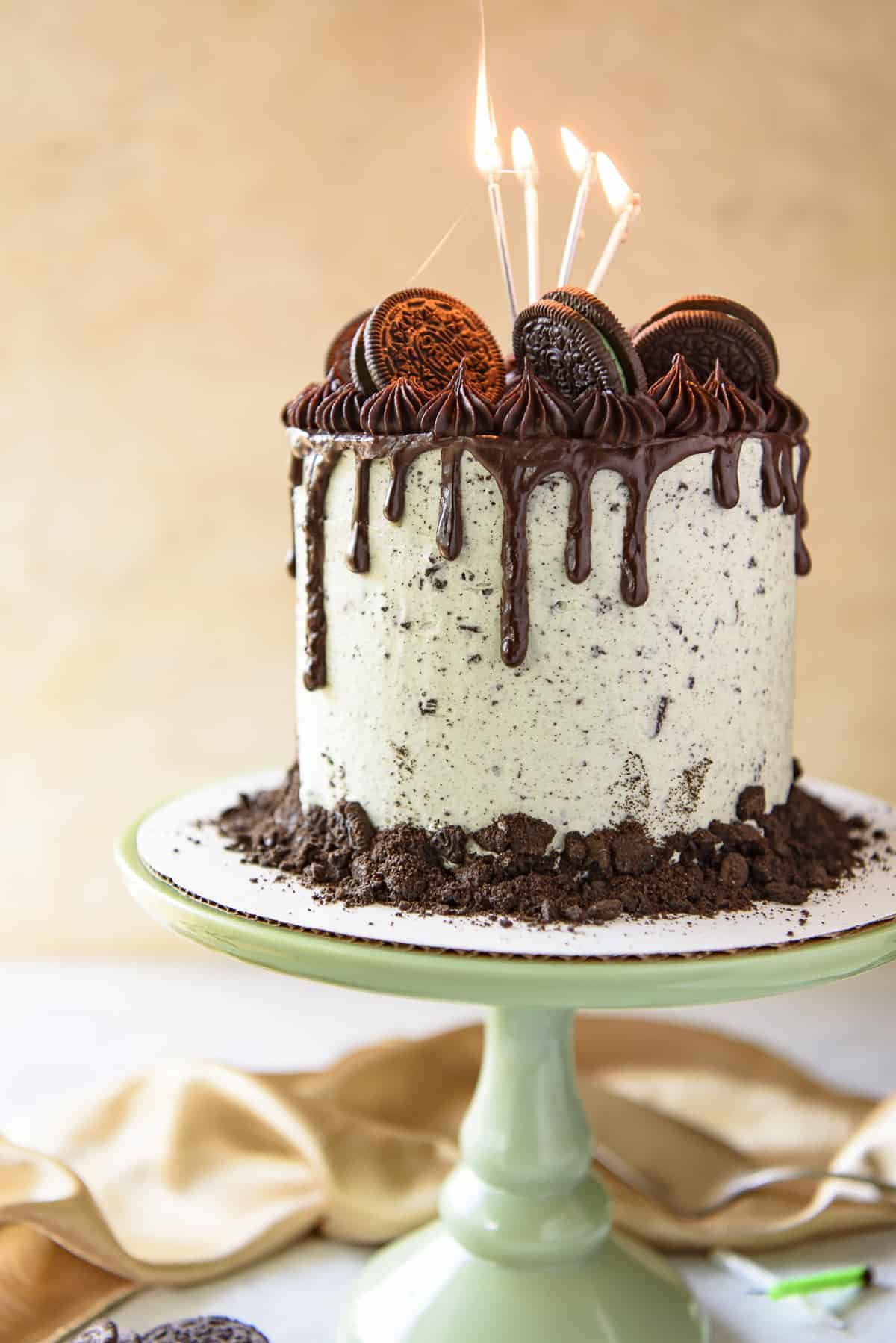 decorating chocolate biscuit wedding cake mint oreo cookies and cake the crumby kitchen 13405