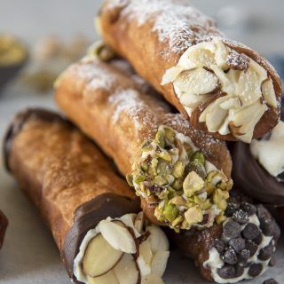 The Easiest Homemade Cannoli Recipe