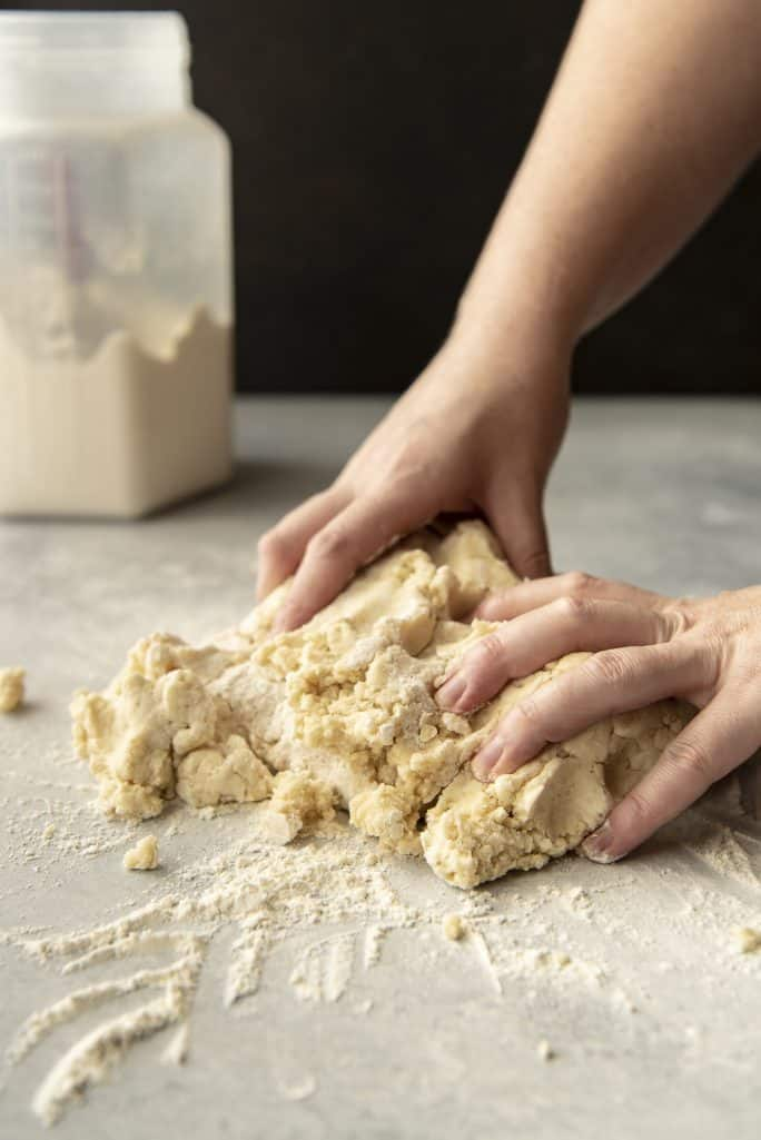 Kneading The Best Flaky Pie Crust Recipe