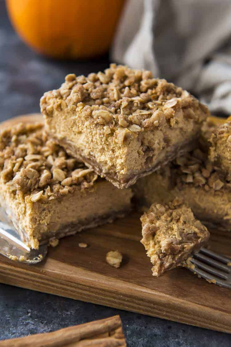 Streusel-Topped Pumpkin Cheesecake Bars