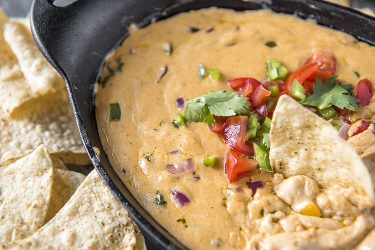 Low carb Fajita Queso Dip made with all-natural ingredients