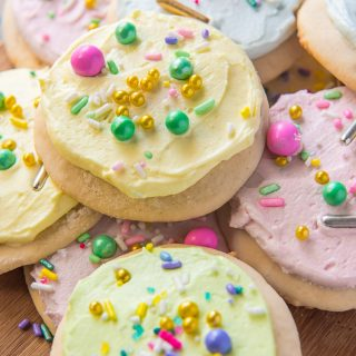 Soft Lofthouse Sugar Cookies with sugar cookie frosting